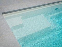 Comment garder une eau cristalline dans votre piscine ?